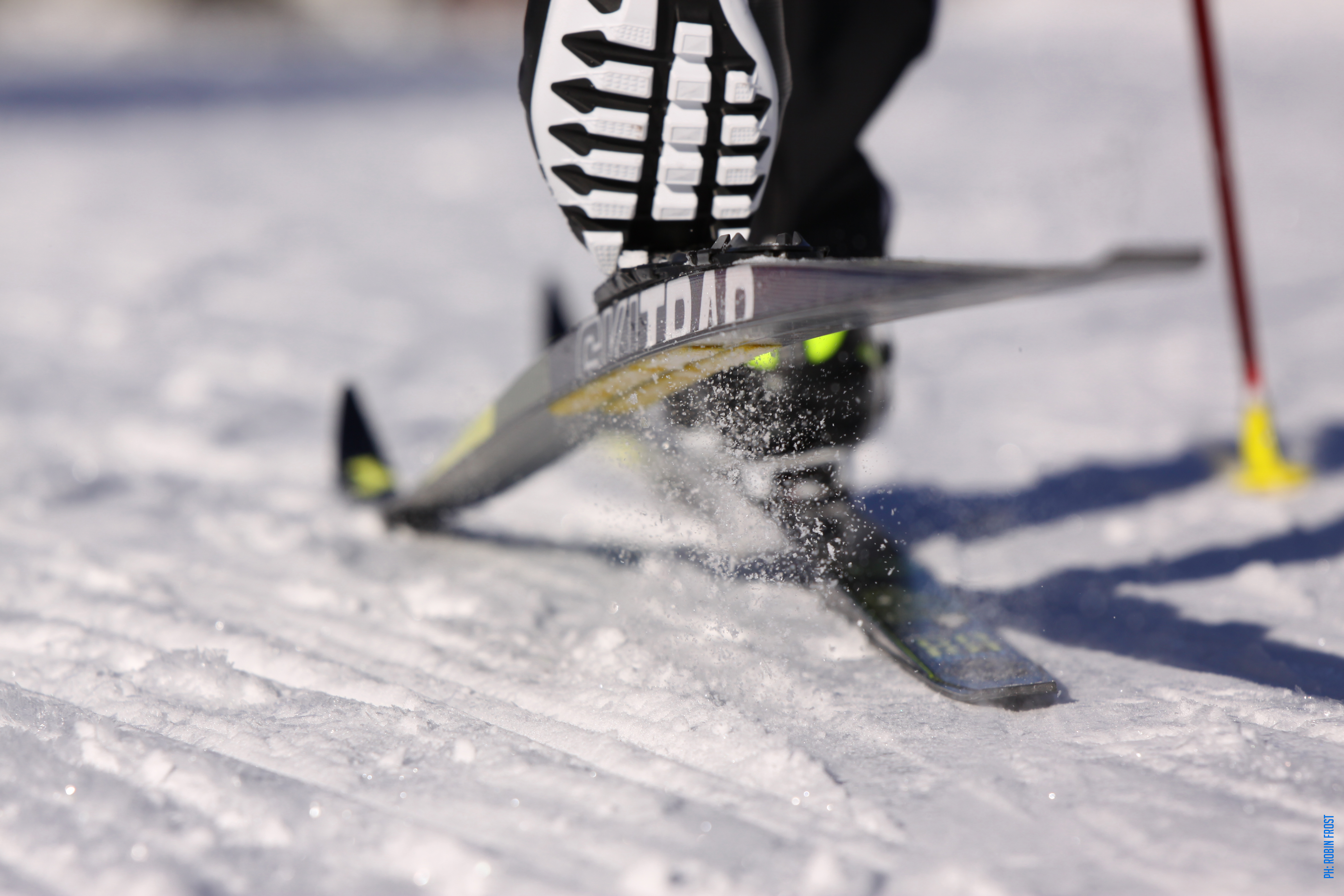 GLIDING TECH, TECNOLOGY THAT MADE SKIS FASTER